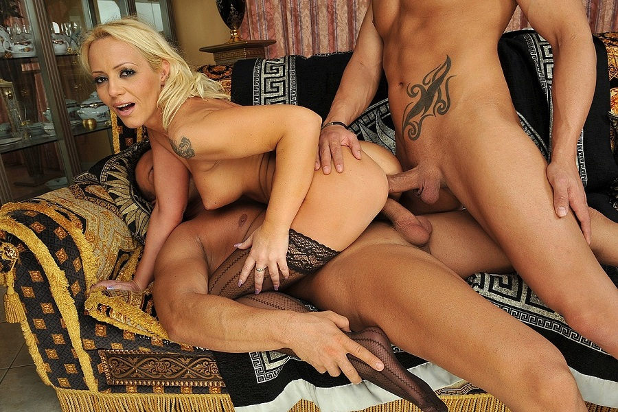 [DPFanatics.com / 21Sextury.com] Sarah Simon (Black Widow) [22.01.2009, Blonde, Big Tits, Tatooed, Oral, Hardcore, Anal, DP, Internal, Facial, 720p]