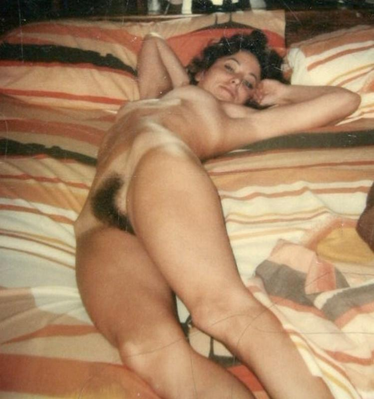 Joyce [Vintage, hairy, amateur] [от 715*558 до 1541*1401, 95]